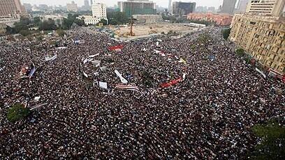 Manifestación en la Plaza Tahrir en El Cairo, Egipto, durante la Primavera Árabe de 2011.
