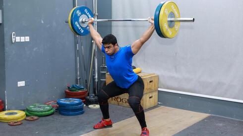 El levantador de pesas gazatí Mohammad Hamada, primer palestino que compite en los Juegos Olímpicos.