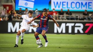 Ronaldinho en acción, en el estadio Bloomfield de Tel Aviv.