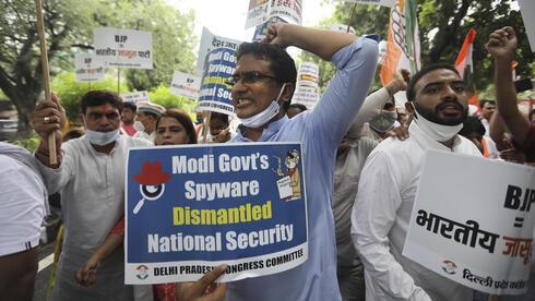 Opositores apuntan contra el gobierno de Narendra Modi.