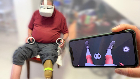 Un paciente usa el dispositivo My Move.