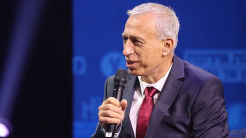 El director general del Ministerio de Salud, el profesor Nachman Ash.