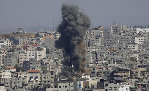 Uno de los ataques aéreos israelíes sobre objetivos de Gaza.