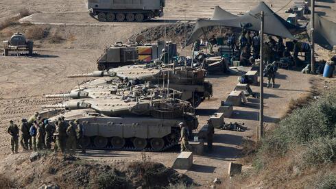 Tanques de las FDI en los Altos del Golán.