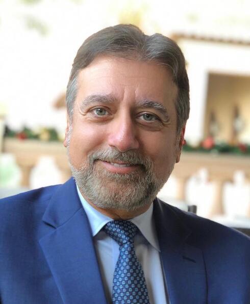 El rabino Dr. Elie Abadie.