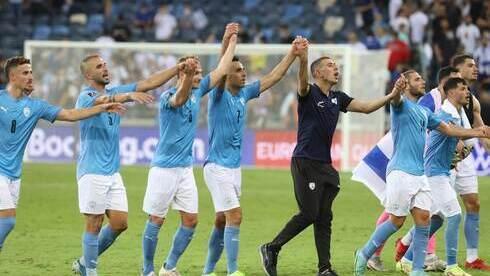 Festejo de la selección israelí tras la victoria.