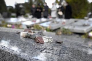 Se registró un nuevo acto de vandalismo en el cementerio de Tablada.