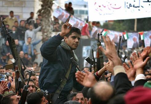 Zakaria Zubeidi, durante su etapa como líder de la Brigada de los Mártires de Al Aqsa.