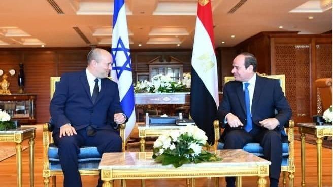 Reunión entre el primer ministro Naftali Bennett y el presidente de Egipto, Abdel Fattah el-Sisi, en Sharm el-Sheikh.