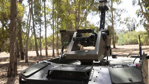 El arma que porta el REX MK II es solo operado por personas.