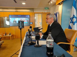 El portavoz de la cancillería israelí responderá preguntas durante 15 horas consecutivas.