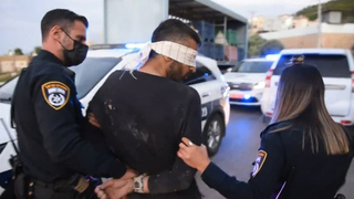 Mahmoud Arda durante su arresto.