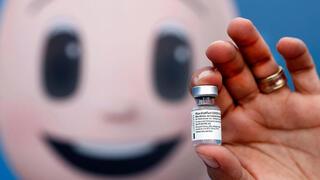 Vial de la vacuna de Pfizer contra el coronavirus.