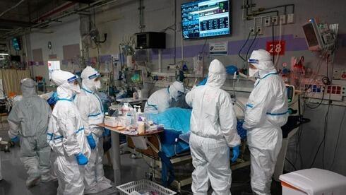 Una sala de coronavirus en el Centro Médico Sheba.