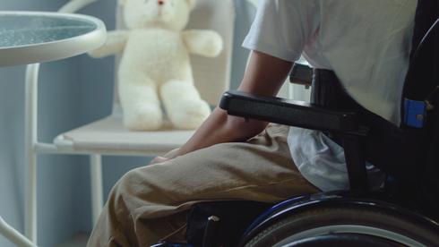 """""""En cinco años, tal vez, con suerte, las personas paralizadas volverán a caminar""""."""