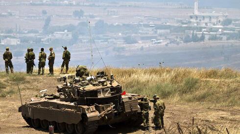 Soldados israelíes cerca de la frontera con Siria en los Altos del Golán.