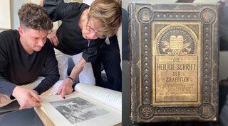 Jacob Leiter y su abuela, Susi Kasper Leiter, examinan la biblia.