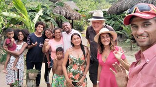 Tali Akuka con pequeños comerciantes de distintos pueblos de Colombia.
