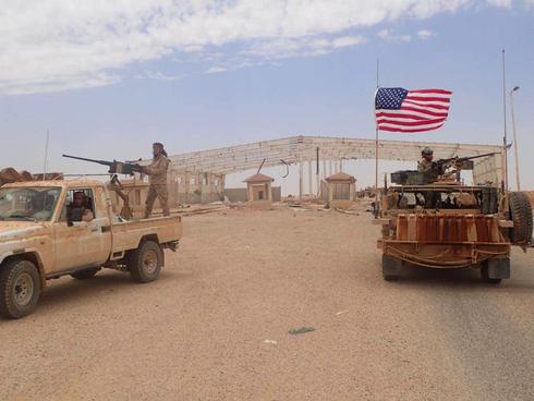 Fuerzas estadounidenses y kurdas en la base de al-Tanf en Siria.